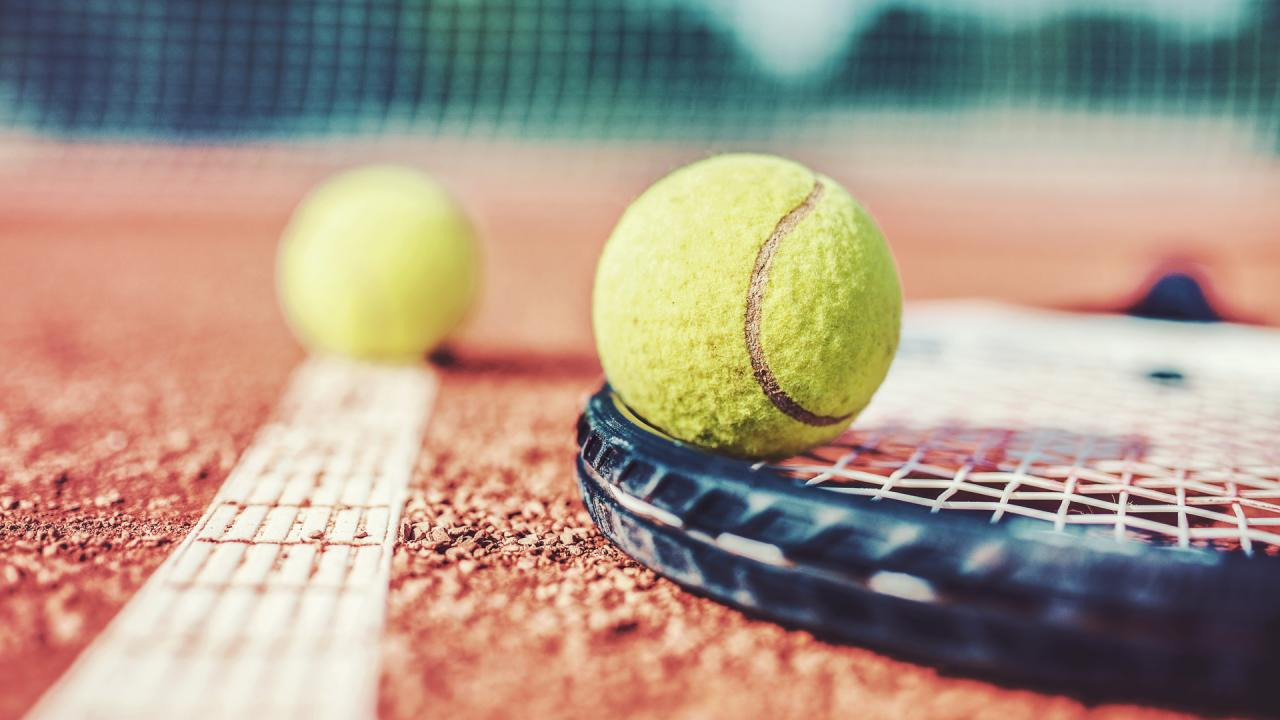All you need in love: study finds tennis is better than the gym